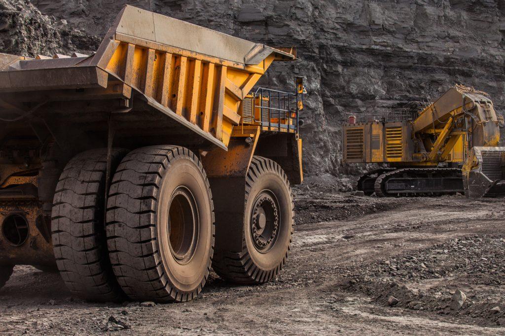 quarry dump trucks in coal mining